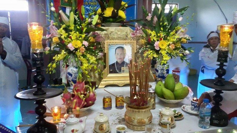 Mệ Phan Thị Báu qua đời