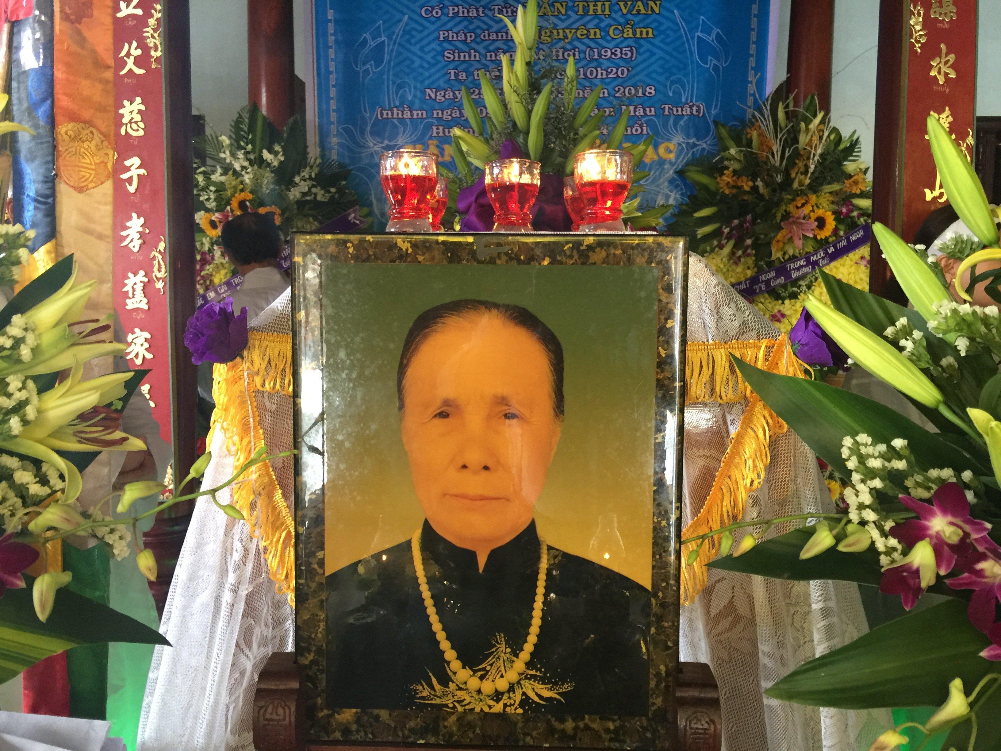 Mệ Văn Thị Vân qua đời