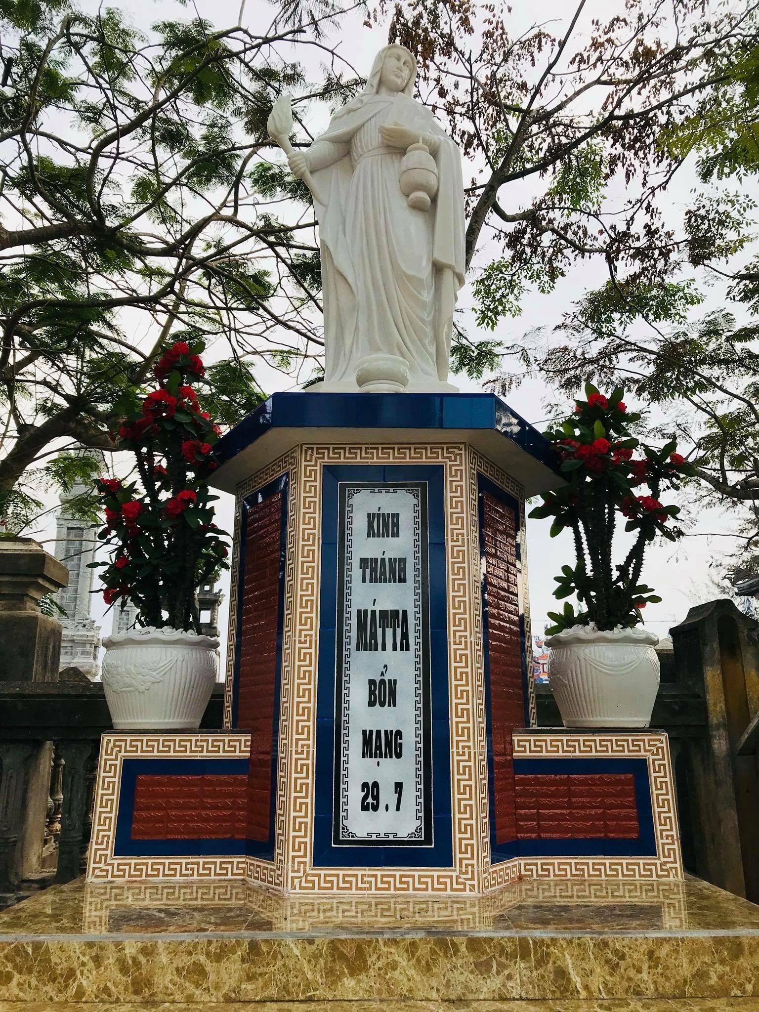Giáo xứ An Bằng hoàn thànhTượng Đài Thánh Nữ MÁTTA
