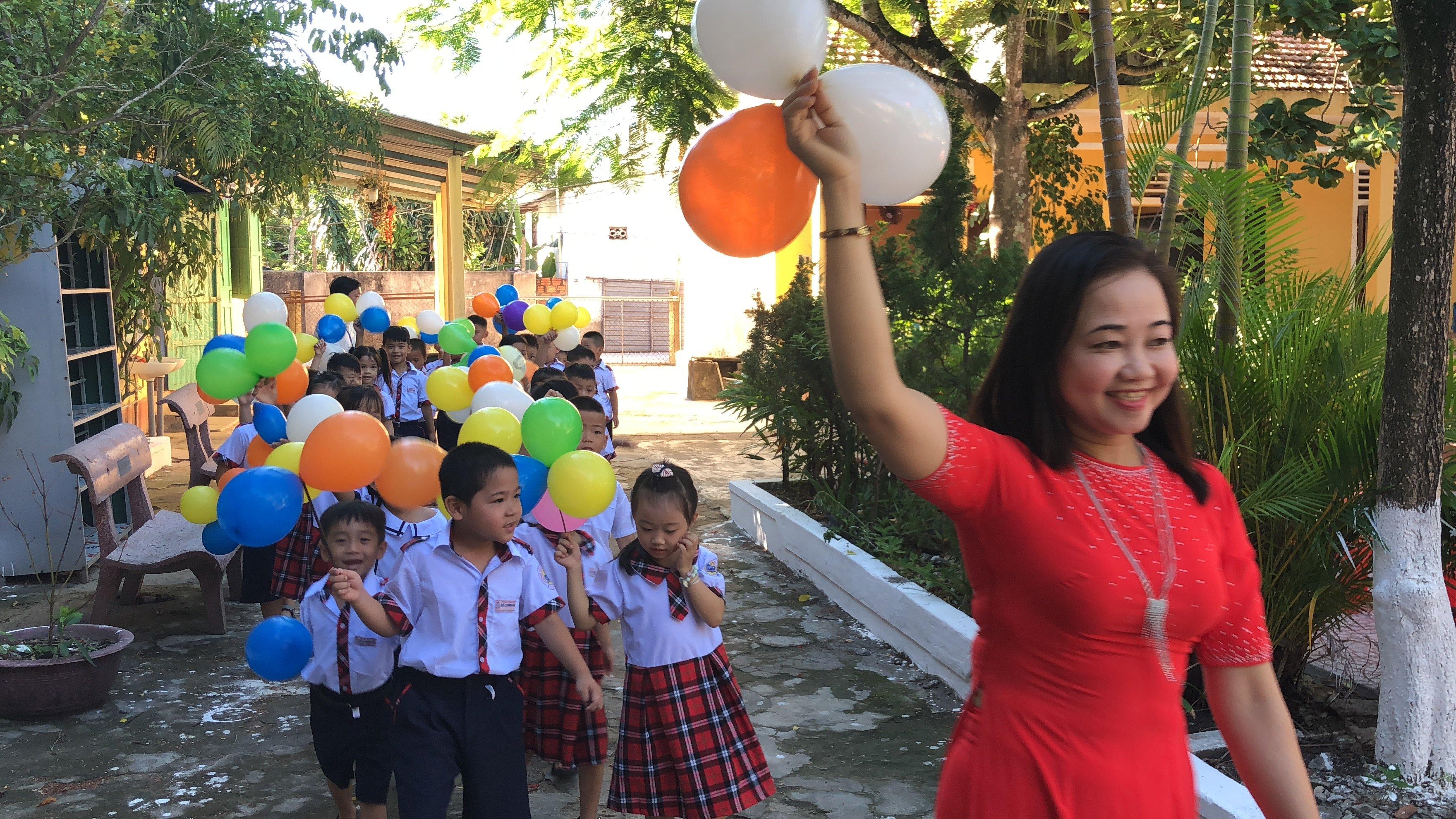 Tưng bừng khai giảng năm học mới tại Trường tiểu học Vinh An 2 và Trường THCS An Bằng-Vinh An.