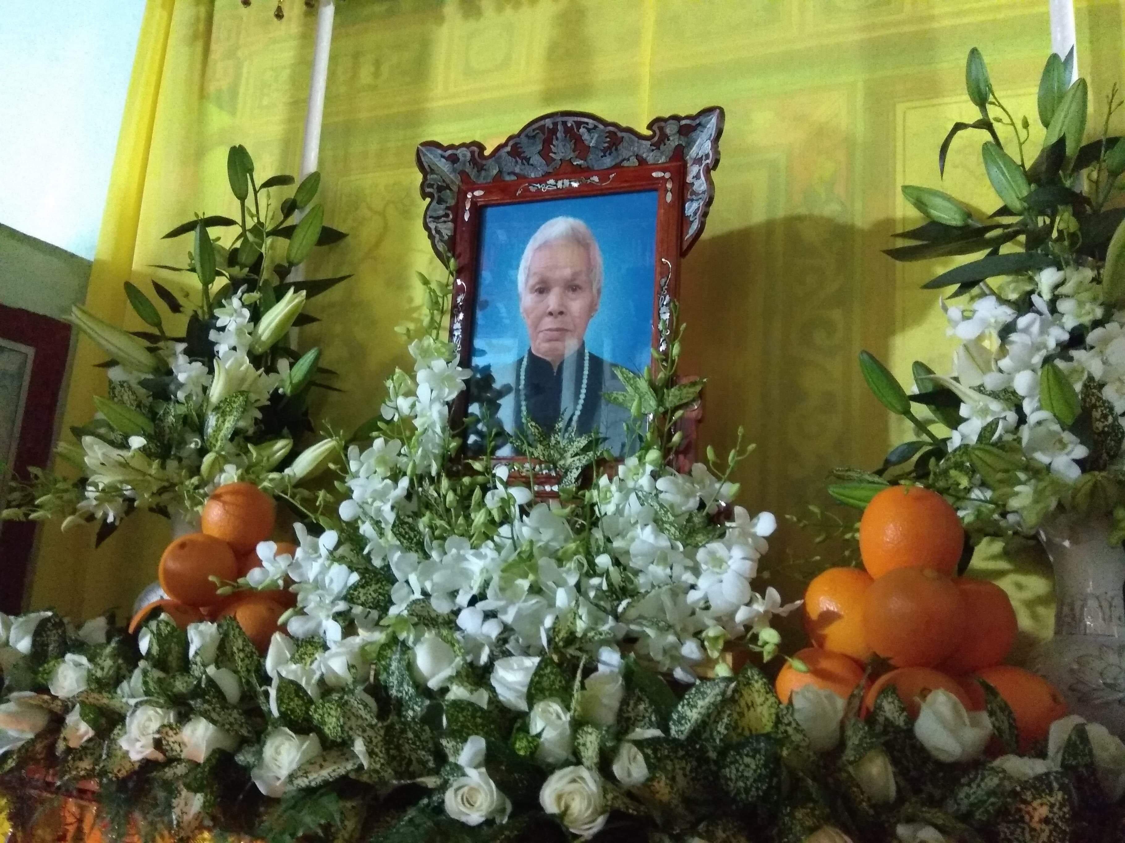 Mệ Văn Thị Con qua đời