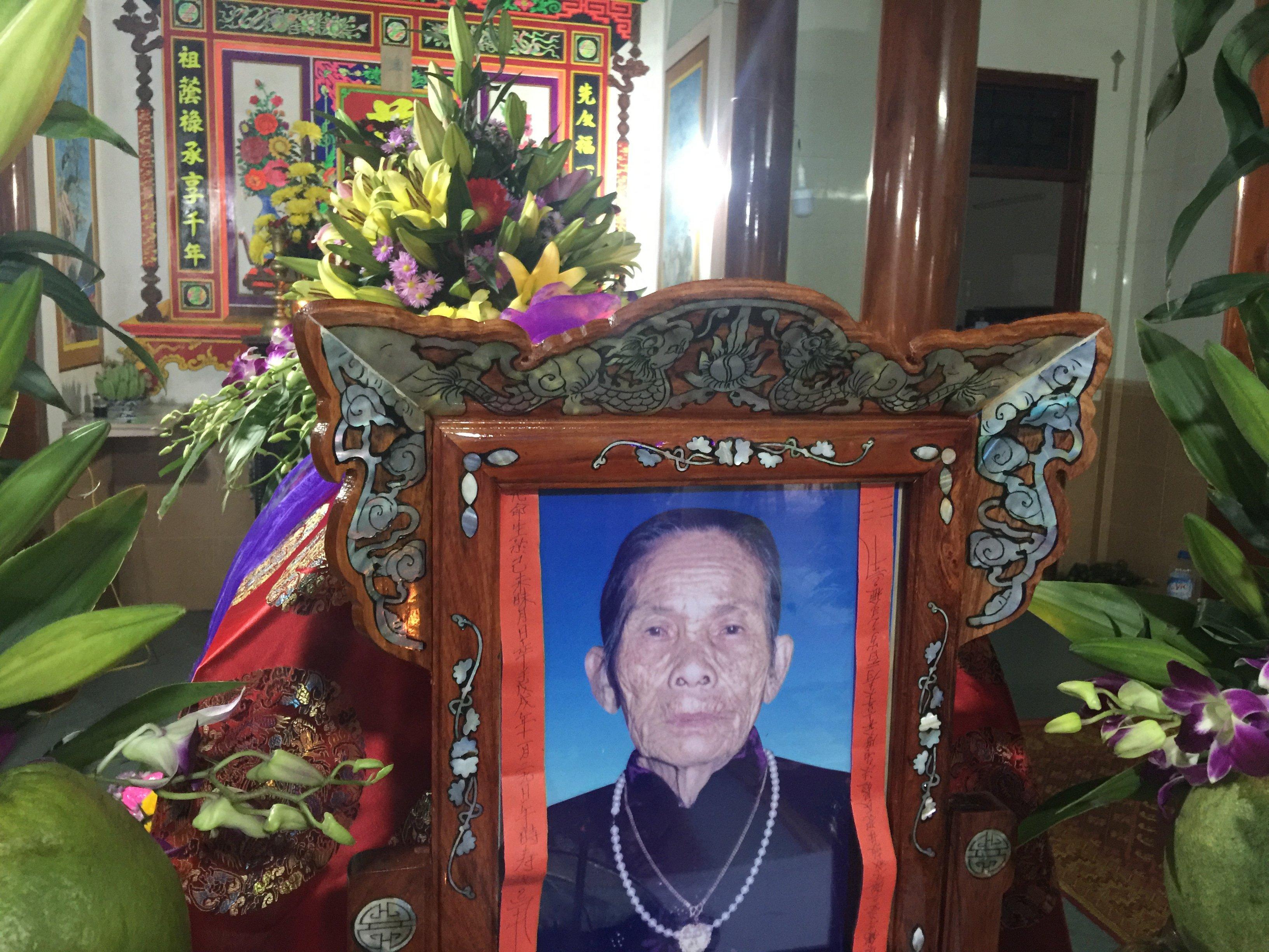 Mệ Phạm Thị Ngắn qua đời