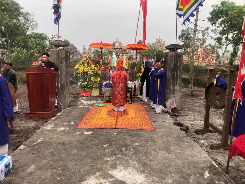 Lễ đặt đá trùng tu lại di tích Bàu đình tâm linh làng An Bằng.