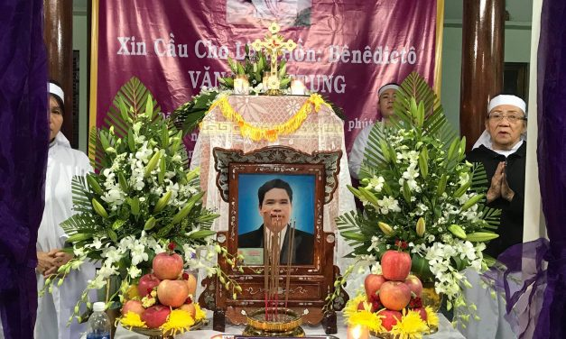 Ông Văn Đình Trung qua đời