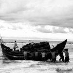 Nhớ về quê hương-Chuyến vượt biên của chiếc thuyền mang số 1900.